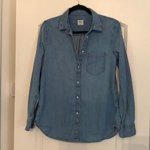 Chambray/denim color long sleeve size M